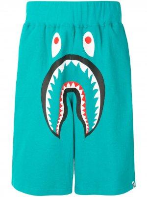 Широкие спортивные шорты Shark A BATHING APE®. Цвет: зеленый