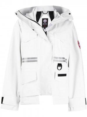 Куртка с карманами Canada Goose. Цвет: белый