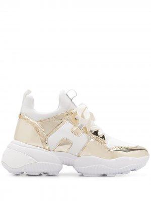 Кроссовки на массивной подошве с эффектом металлик Hogan. Цвет: белый