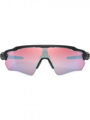 Солнцезащитные очки Radar с эффектом градиента Oakley. Цвет: черный