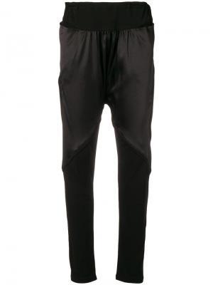 Спортивные брюки с заниженным шаговым швом Tsumori Chisato. Цвет: черный