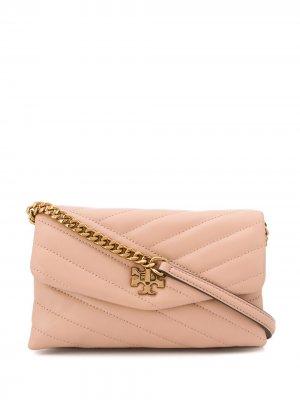 Стеганая сумка через плечо Kira Tory Burch. Цвет: розовый