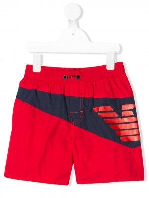Плавки-шорты с логотипом Emporio Armani Kids. Цвет: красный