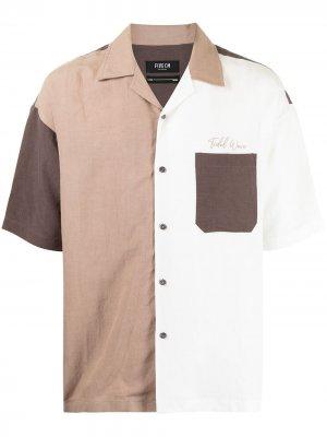 Рубашка в стиле колор-блок с короткими рукавами FIVE CM. Цвет: коричневый