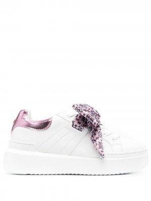 Кроссовки с бантами Pollini. Цвет: 10a - bianco