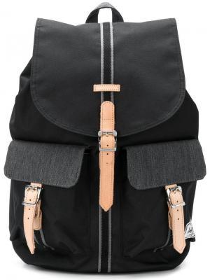 Рюкзак с карманами клапанами Herschel Supply Co.. Цвет: черный