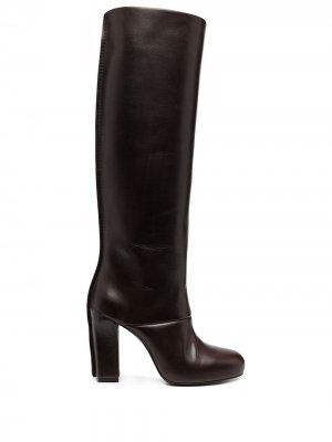 Сапоги на каблуке Lemaire. Цвет: коричневый