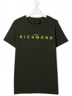 Футболка с круглым вырезом и логотипом John Richmond Junior. Цвет: зеленый