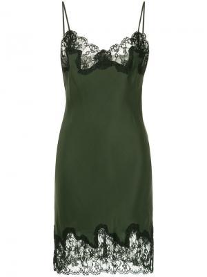 Платье без застежки с кружевной отделкой Gold Hawk. Цвет: зеленый