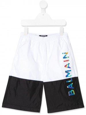 Плавки-шорты в стиле колор-блок с логотипом Balmain Kids. Цвет: белый