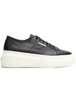 Кроссовки на платформе Superga. Цвет: черный