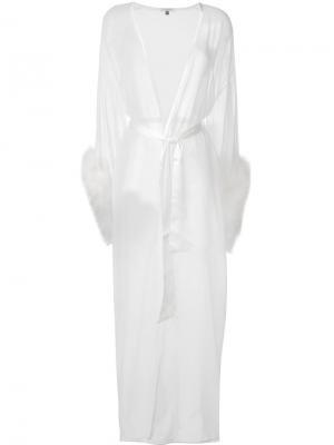 Длинный халат Diana Gilda & Pearl. Цвет: белый