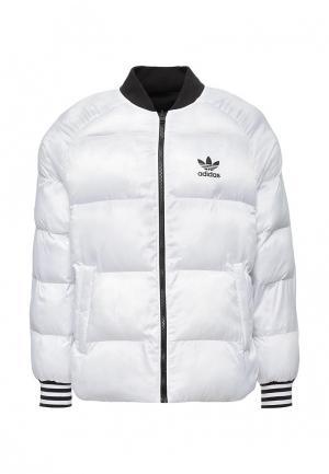 Куртка утепленная adidas Originals. Цвет: разноцветный