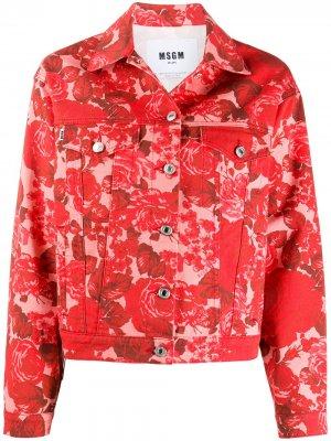 Джинсовая куртка с цветочным принтом MSGM. Цвет: красный