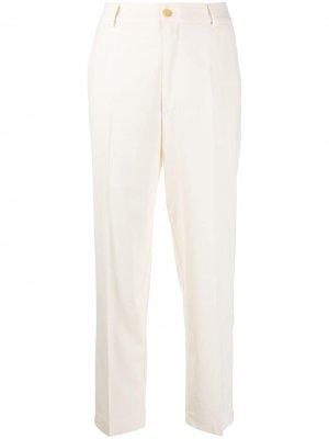 Прямые брюки Forte. Цвет: белый