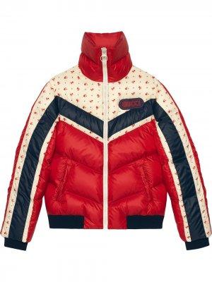 Куртка с нашивкой логотипа Gucci. Цвет: красный