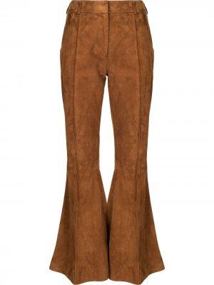 Расклешенные брюки Khaite. Цвет: коричневый