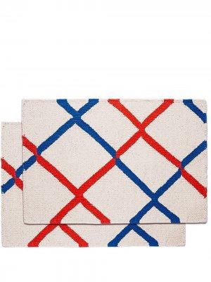 Набор из двух полосатых настольных ковриков (48 x 33) La Doublej. Цвет: нейтральные цвета