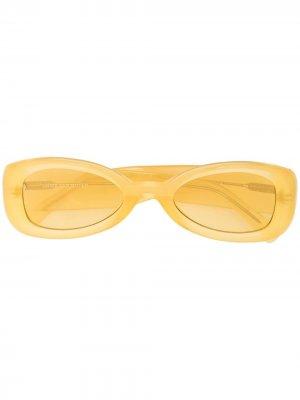 Солнцезащитные очки в овальной оправе Linda Farrow. Цвет: желтый