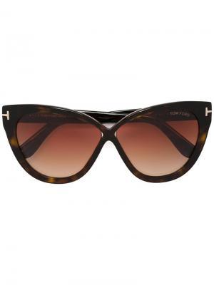 Солнцезащитные очки в объемной оправе Tom Ford Eyewear. Цвет: коричневый