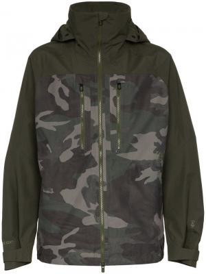 Камуфляжное пальто Gore-Tex Burton Ak. Цвет: зеленый