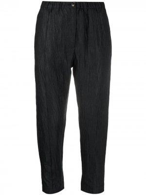 Укороченные брюки прямого кроя Tela. Цвет: черный