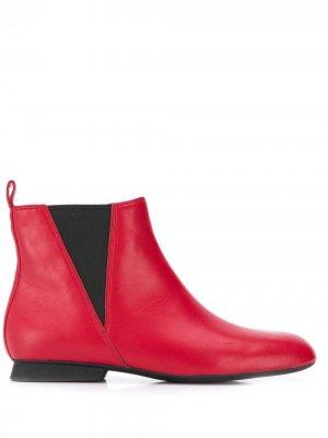 Ботинки с квадратным носком Camper. Цвет: красный
