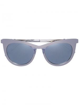 Солнцезащитные очки в оправе кошачий глаз Carolina Herrera. Цвет: металлик