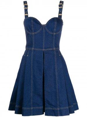 Джинсовое платье мини со складками Versace Jeans Couture. Цвет: синий