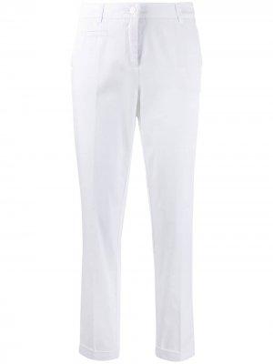 Зауженные брюки со складками Cambio. Цвет: белый